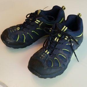Boys SZ 3 Merrell Hiking Shoes